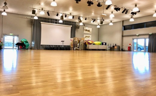 Regular main hall 3