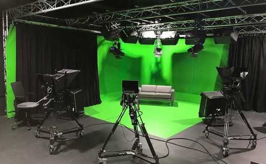 Regular tv studio  4