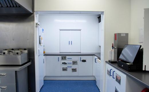 Regular kitchen 1040 x 642