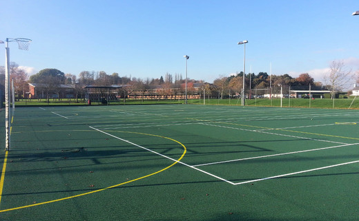 Regular 4. netball courts