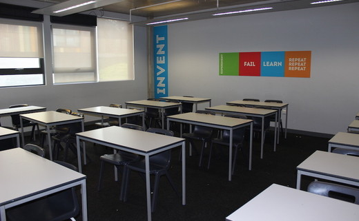 Regular crest   classroom thumbs