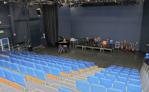 Regular chorlton theatre 3jpg th
