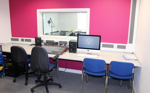 Regular oasis media   recording studio th