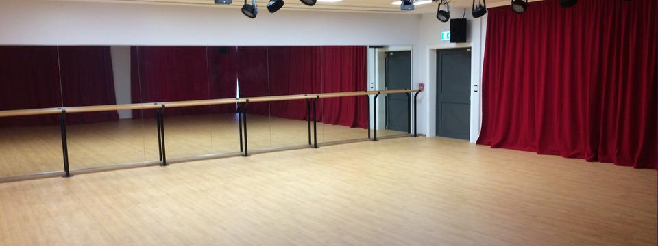Regular nh dance studio sl